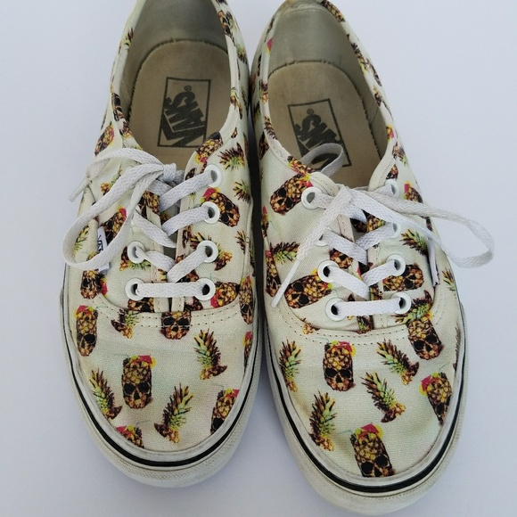 e6afdc4068d Vans Off the Wall Pineapple print 7.5 M
